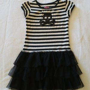 Girls dress size s